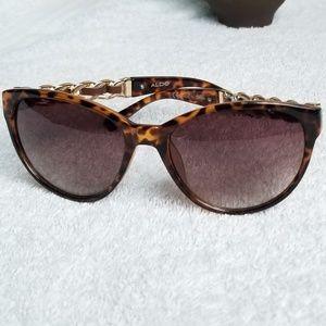 Vintage Aldo Cat Eye Sunglasses  Cuban Link w/Lthr